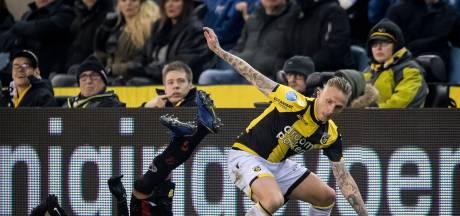 Nieuwe reclameborden bij Vitesse belemmeren zicht deel toeschouwers