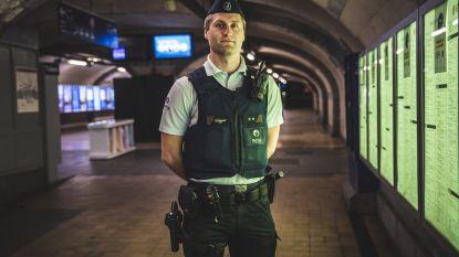 """Met politie-inspecteur Jens (29) door de Gentse nacht: """"Sommige reizigers beweren nog nooit van corona te hebben gehoord"""""""