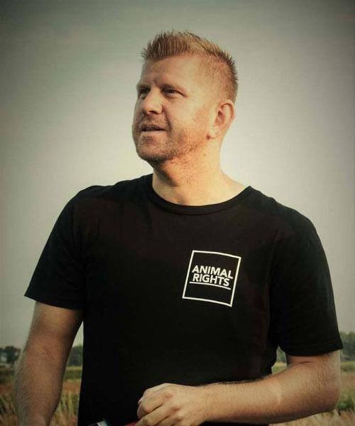 Robert van Doren is nu 3,5 veganistisch en zit zich in voor de vereniging AnimalRights. Hiermee probeert hij het veganisme te promoten.