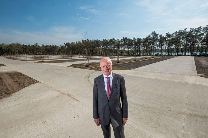 Directeur Erik Doorgh, eerder dit jaar op de parkeerplaats van het Heerderstrand.
