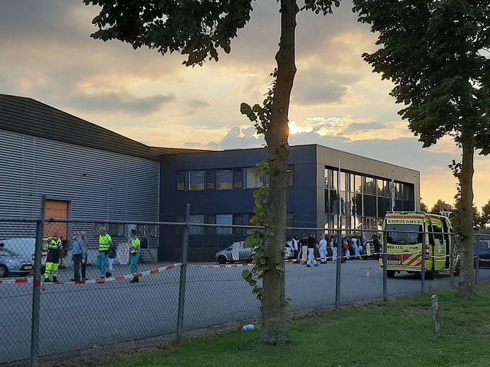 De hulpdiensten zijn woensdag gealarmeerd voor een incident met giftige stoffen bij vleeswarenbedrijf Henri van de Bilt aan de Goudwerf in Beuningen.