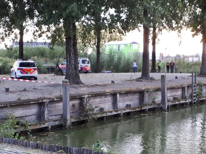 Dode man gevonden in water aan de Rijtuigweg in Bergen op Zoom