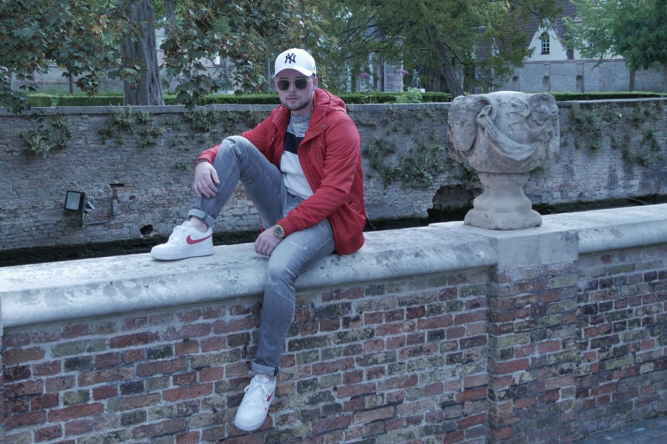 Kevin De Saedeleer (25) uit Mere bouwt als 'Dissiplin' aan een solocarrière als rapper.