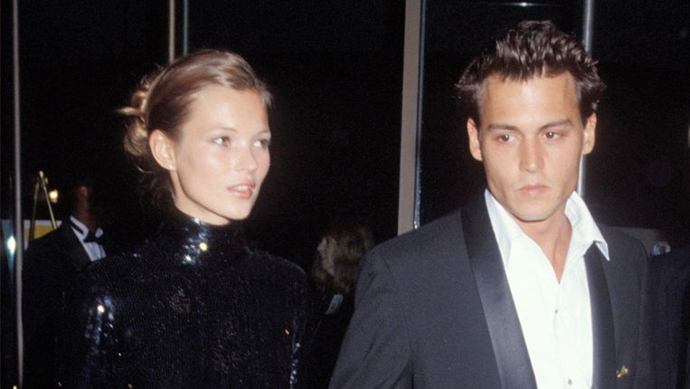 Kate Moss en Johnny Depp op de Golden Globe Awards in 1995.