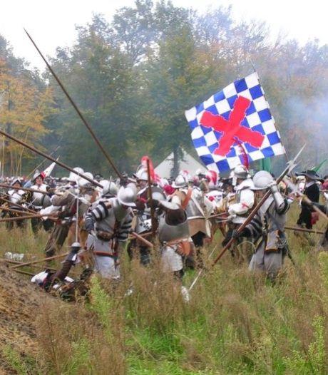 Musketier uit Lichtenvoorde doorboort buik toeschouwer bij Slag om Bergh: 'Ik was bijna doodgeschoten'