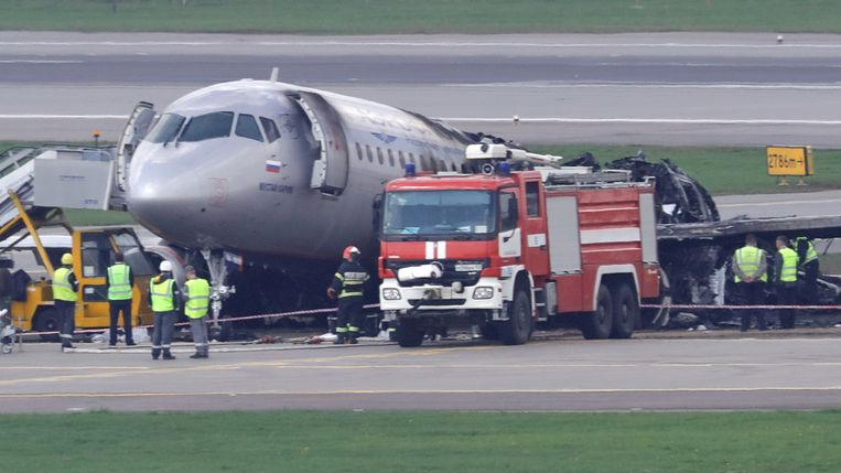 Na Ethiopische het zwaarste ongeluk van 2019: de Aeroflot-vlucht 1492 bij Moskou,  waarbij 41 van de 78 inzittenden omkwamen. Beeld REUTERS
