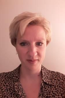 Verslaggeefster Annemiek zat weken thuis: 'Kón ik eindelijk weer werken, mocht ik niet naar de redactie'