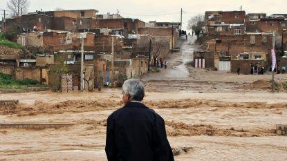 Vrees voor nieuwe ramp in overstroomd Iran: dammen op punt van breken