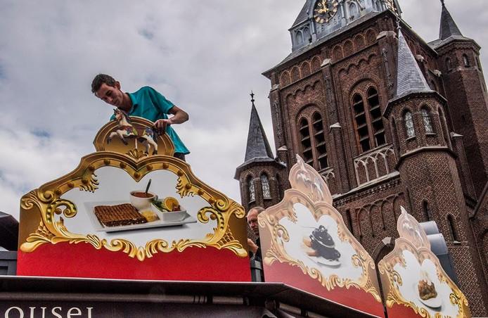 Carrousel aan de Oude Markt. Foto Jan van Eijndhoven