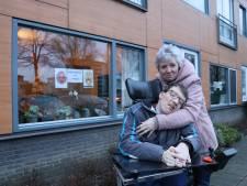 Emoties bewoners Reinaerde en familie lopen hoog op: 'Mijn zoon komt op straat te staan'