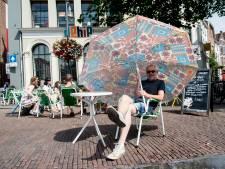 De Hip vecht verbod op parasols op Deventer Brink aan