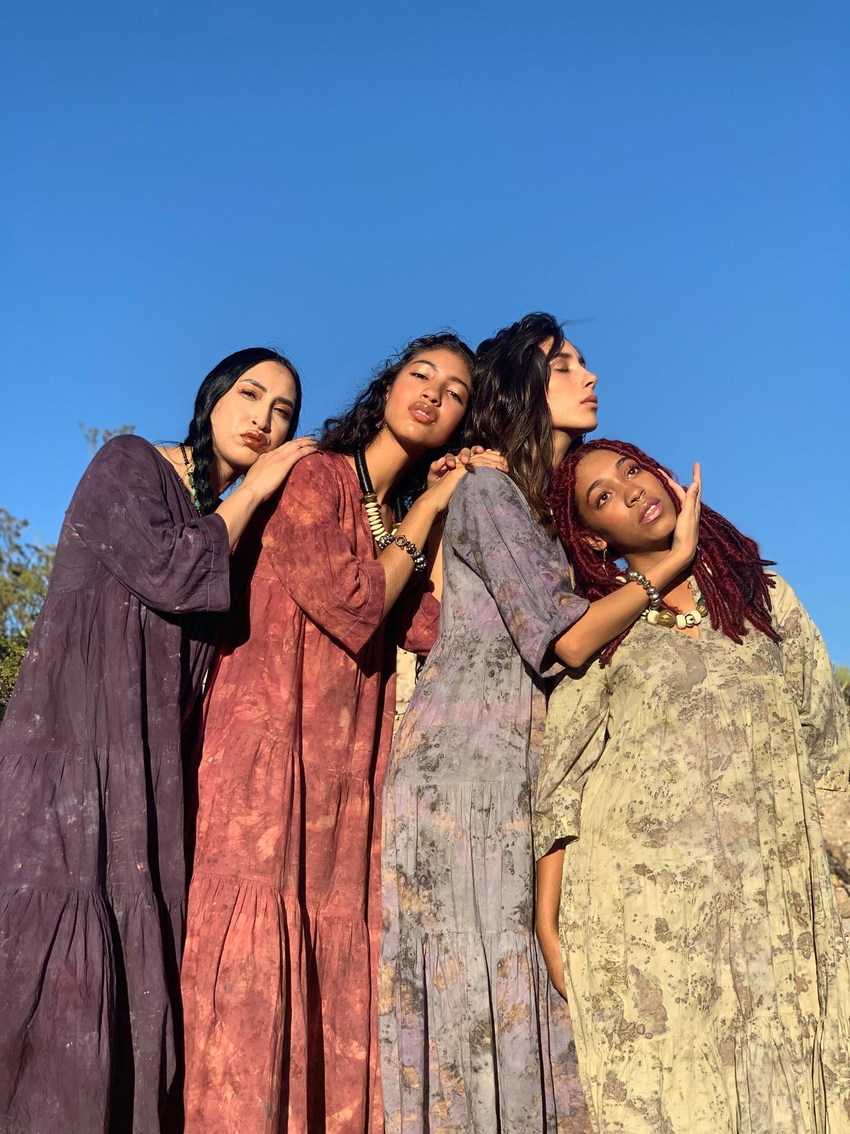 Alle opbrengsten van het kledinglabel Ni En More gaan naar de studio's waar kwetsbare vrouwen worden opgeleid tot kledingmaker.