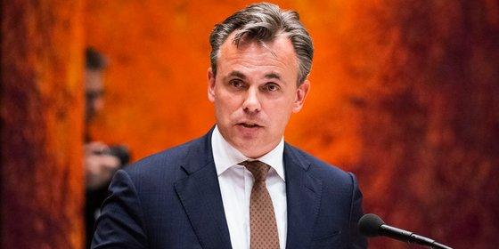 Harbers stapt op als staatssecretaris na geblunder met misdaad-cijfers asielzoekers