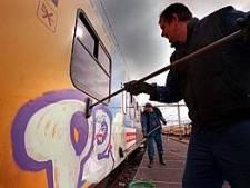 Graffitispuiter Zwolle (38) werd in alle vroegte van zijn bed gelicht door de politie en is al eerder veroordeeld