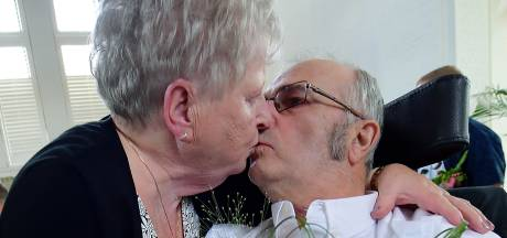 Dit is liefde: na vijftig jaar trouwt Peter opnieuw met Willy