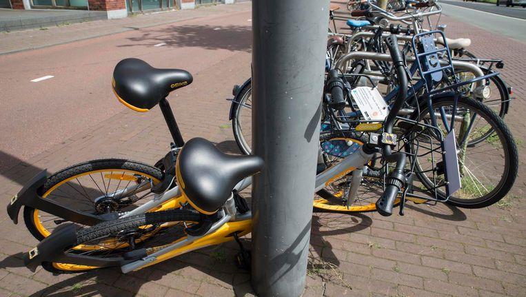 De grote hoeveelheid fietsen die het afgelopen jaar Amsterdam binnenkwam was voor veel mensen reden tot ergernis. Beeld Charlotte Odijk