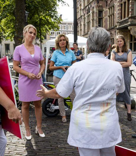 PvdA-leider Asscher doet rondje Breda: is Amphia klaar voor tweede coronagolf?