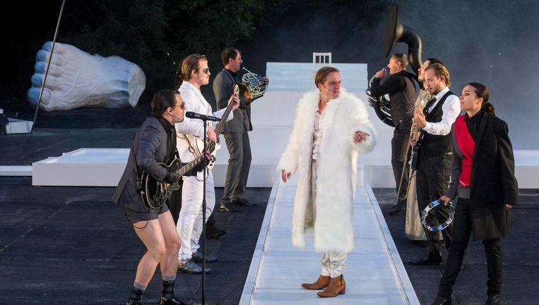 Mattias Van de Vijver als Julius Ceasar. Beeld Ben van Duin