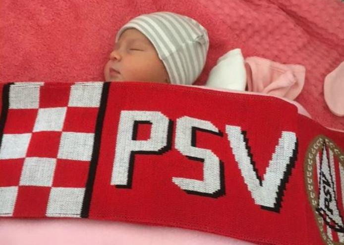 De kleine Gigi vierde haar eerste PSV-kampioenschap.