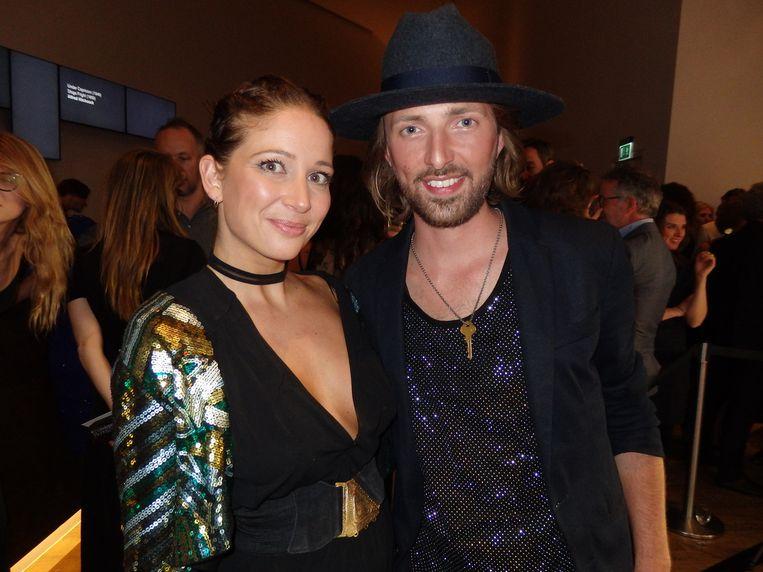 Samira Zwanenburg (Features Agency) kreeg van stylist Tommy Driessen de tip om klittenband te gebruiken. 'Sorry, mannen.' Beeld Schuim