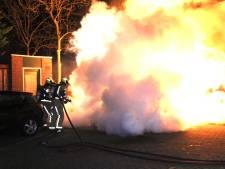 Auto volledig uitgebrand op het Boedijnhof in 's-Gravenzande