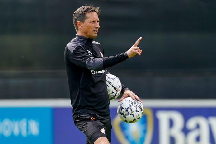 PSV-trainer Roger Schmidt zal naar verwachting tegen UNA twee verschillende ploegen laten aantreden.