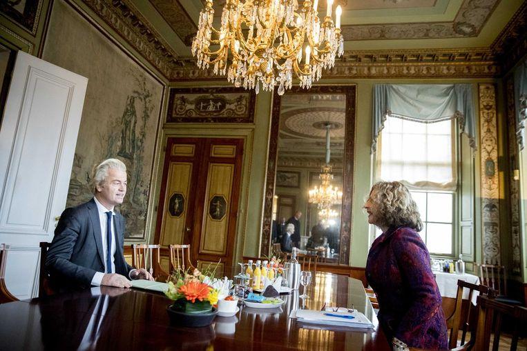 PVV-leider Wilders in gesprek met verkenner Schippers. Beeld anp