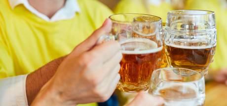 Loktiener krijgt vaak bier in sportkantine