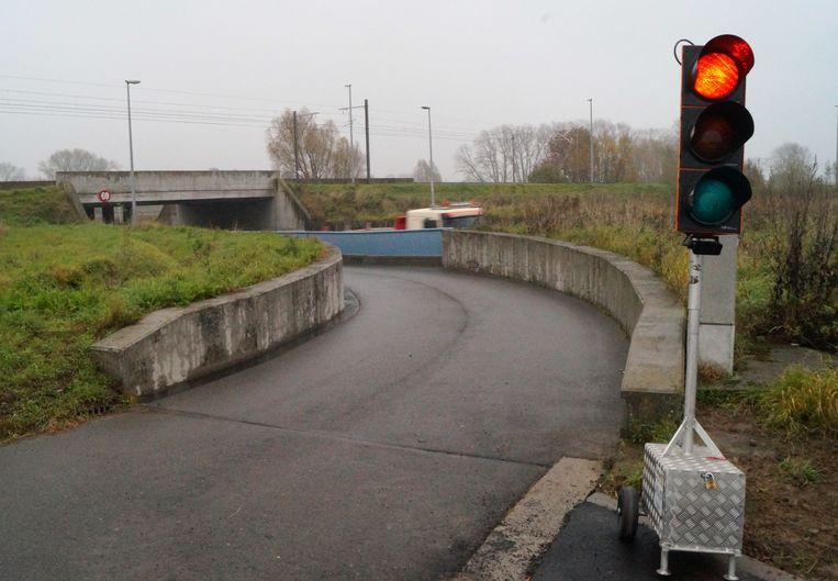 Het verkeer tussen de Driesstraat en de Ventweg wordt nu nog geregeld met verkeerslichten, maar die opstelling verdwijnt. Auto's mogen er niet meer door.