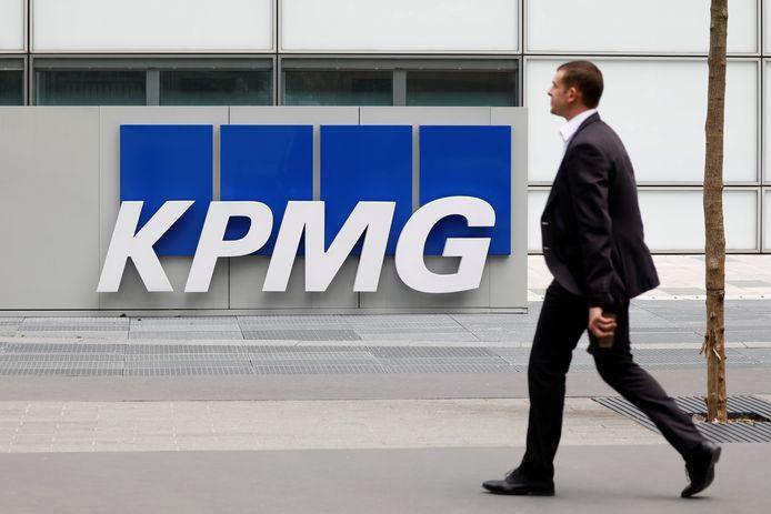 Dienstverlener KPMG voerde de studie uit. Zesennegentig procent van de Belgische CEO's gaat ervan uit dat hun bedrijf in de volgende drie jaar zal groeien. Daarmee zijn onze CEO's iets positiever dan het wereldwijde gemiddelde (90 procent) en het gemiddelde in de Benelux (80 procent).