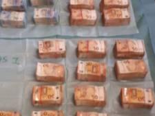 Politie vindt bijna 2,4 miljoen aan cash in Amsterdams huis