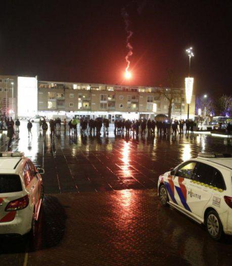 Protest tegen avondklok bij stadhuis in Doetinchem