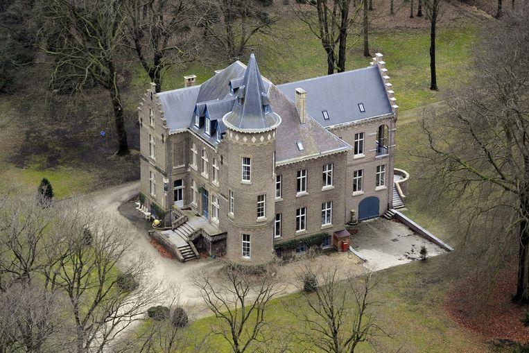 De Nederlander Evert de C. wordt in ons land verdacht van betrokkenheid bij de dood van kasteelheer Stijn Saelens. Foto: het kasteel waar Saelens woonde in Wingene.