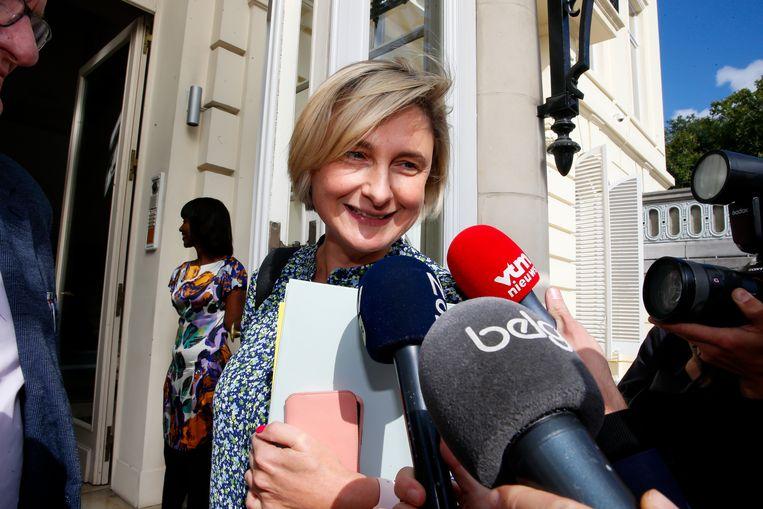 """Hilde Crevits uitspelen als boegbeeld was volgens de werkgroep wel """"een uitstekende zet"""", maar zij """"kwam echter te laat in de campagne om haar potentieel te kunnen waarmaken voor de partij""""."""