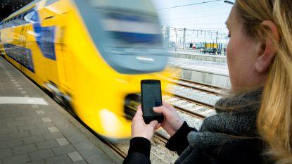 """Nederlandse Spoorwegen geeft ticketverkoop (deels) uit handen: """"Tankpas geeft straks toegang tot trein"""""""