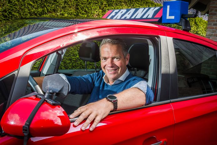 Frank Beernink is al 25 jaar rijschoolhouder van rijschool Frank.