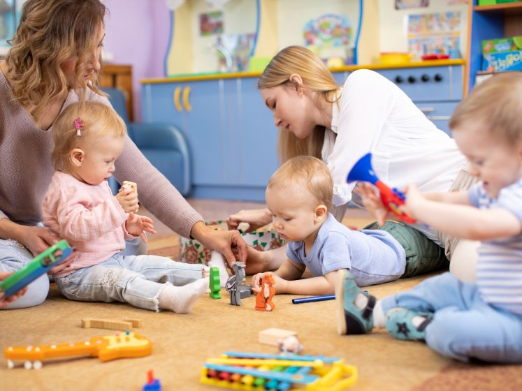 """Strengere regels voor baby's met koorts in kinderopvang: """"Maar ouders blijken niet goed op de hoogte"""""""