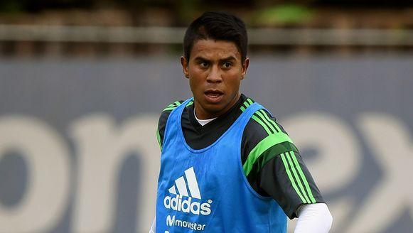 De plaats van de onfortuinlijke Medina wordt ingenomen door verdediger Miguel Angel Ponce.
