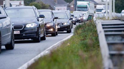 Koning auto blijft woon-werkverkeer domineren, enkel fiets biedt weerwerk