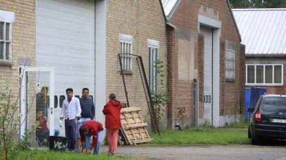 """Oude kazerne in Sijsele wordt tijdelijk opvangcentrum voor 300 asielzoekers: """"Kunnen onze ogen niet sluiten voor de problematiek"""""""