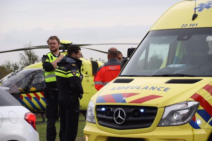 Een 64-jarige fietsster raakte gewond in Best na een ongeluk met een mountainbiker.