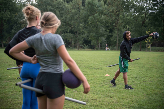 Antwerp Quidditch club oefent in het park Rivierenhof.