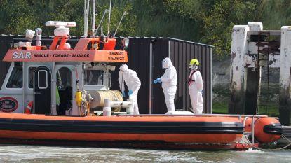 Ziek bemanningslid van cargoschip aan wal gebracht na vermoeden van Covid-19