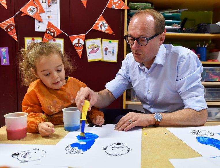 -  Bezoek van Vlaams minister van onderwijs aan de Stedelijke Basisschool De Groene Planeet in Vilvoorde. Ben Weyts, N-VA   ©  Philip Reynaers  / Photo News