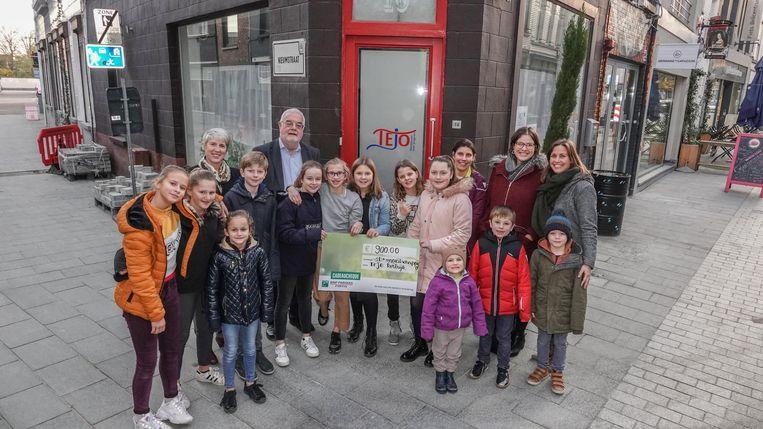 Leerlingen Halen 900 Euro Op Met Verkoop Cupcakes Om