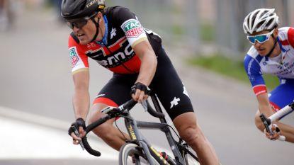 Indrukwekkend deelnemersveld start in Gullegem Koerse, of hoe een kermiskoers de Ronde van België klopt