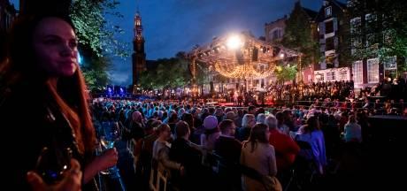 'Aan de Amsterdamse grachten' klonk weer luid op Prinsengrachtconcert