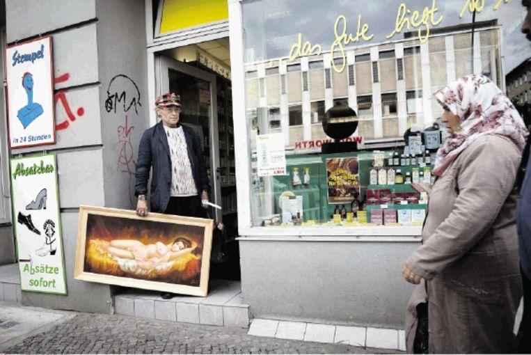 Straat in Neukölln, Berlijn. (FOTO GORDON WELTERS / LAIF / HH ) Beeld Gordon Welters/Stern/laif