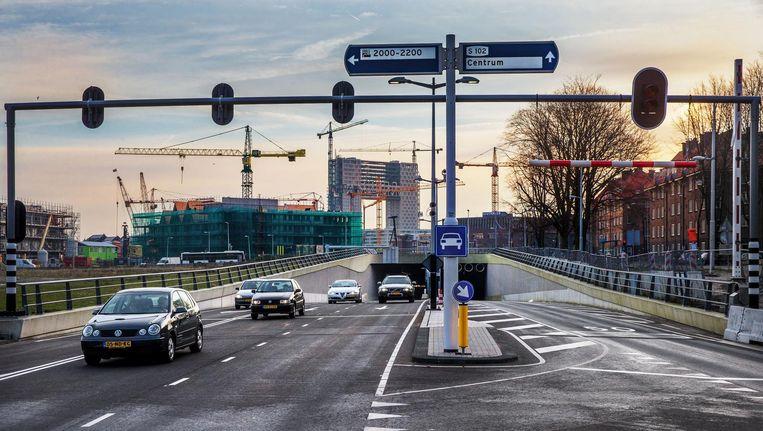 Begin deze week ging de tunnel onder de Spaarndammerstraat eindelijk open. Beeld Jean-Pierre Jans