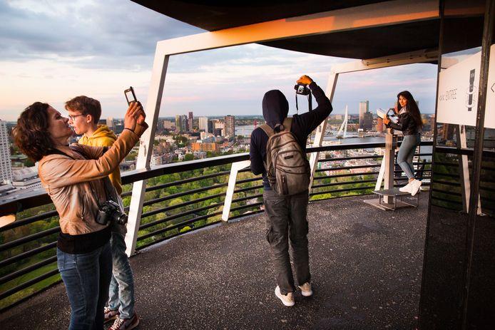 'Het uitzicht vanaf de Euromast is spectaculair', vindt de nieuwe eigenaar Alexia Vettier